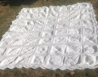 Exquisite Vintage, French, Hand Crocheted White Cotton Throw/Coverlet With Three Dimensional Popcorn Crochet stitch. Shabby chic Beach House