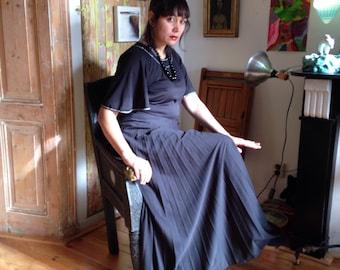 1970s black witchy maxi dress size M/L
