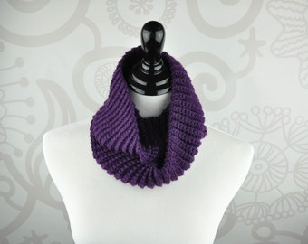 Scarf - Purple - Infinity - Crochet