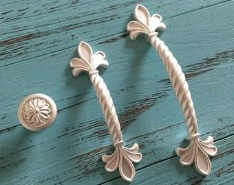 "2.5"" 3.75"" Silver White Knob Dresser Pulls Drawer Pull Handles Fleur De Lis Kitchen Cabinet Door Handle French Country Knob 2 1/2"" 64 96 mm"