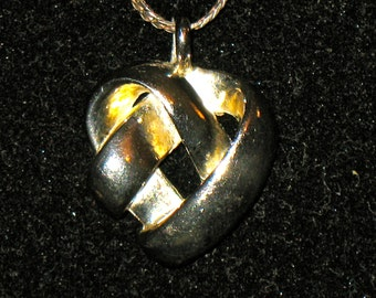 Vintage Sterling Silver Infinity Heart Pendant and Chain 19 inches