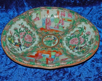 Fabulous 19th Century Chinese Canton Famille Rose Porcelain Dish