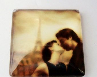 Paris Romantic Couple Kiss Cabochon,25 x 25 mm