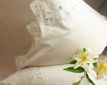 Embroidered flowers pillowcase Vintage style Cutwork lace pillowcase Bedroom decor linen Bed linen Victorian pillowcase Shabby chic