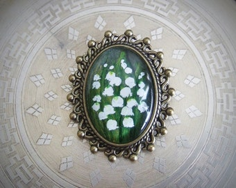 Hand-painted vintage style brooch with lilies of the valley