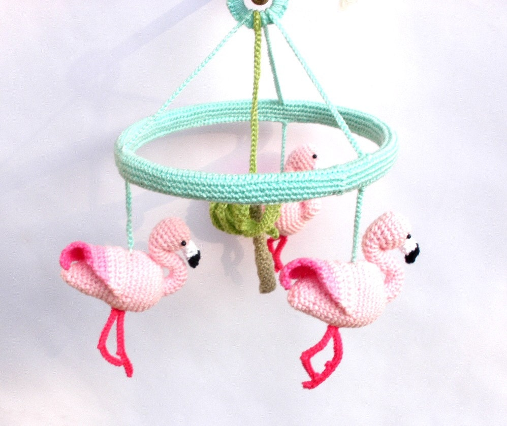 rosa flamingo baby mobile baby m dchen kinderzimmer mobile. Black Bedroom Furniture Sets. Home Design Ideas
