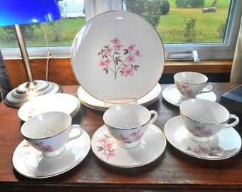 Knowles Dogwood 16 Piece Dinnerware Set Pink Dogwood on Cream With Gold Border Free Shipping