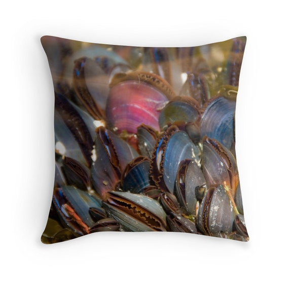 Mussel shells pillow life aquatic beach decor underwater for Aquatic decoration