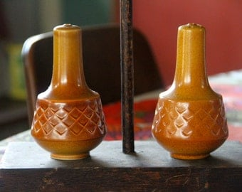 "Diana ""Nefertiti"" Stoneware Salt and Pepper Shakers  Retro Australian Pottery"