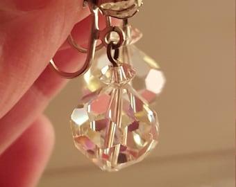 Beautiful Vintage Laguna Aurora Borealis Faceted Crystal Clip On Earrings