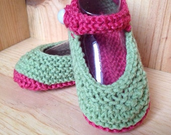 Pink and green knitted baby booties, handmade crib shoes, baby slippers, baby girl shoes, newborn booties, christening gift, baby slippers