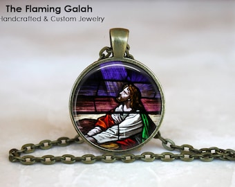 JESUS STAINED GLASS Pendant • Praying Jesus • Church Window Style • Religious Jewelry • Gift Under 20 • Made in Australia (P0657)