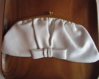 Vintage 1960s Clutch in Cream Leather Purse, Cream Leather 1960s Clutch purse, vintage clutch, Leather vintage Clutch 1960s