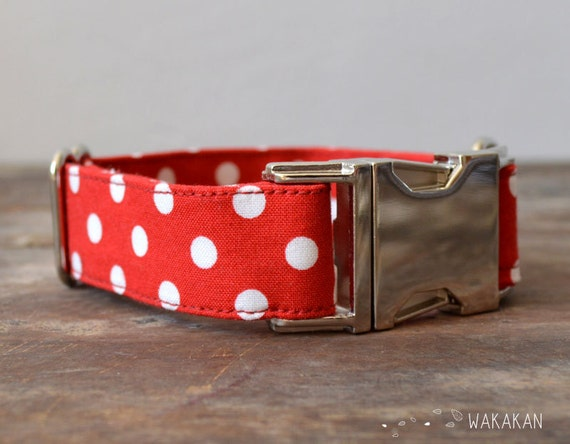 Ole dog collar adjustable. Handmade with 100% cotton fabric. White and red polka dots. Spanish style Wakakan