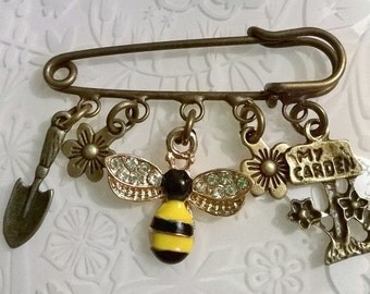Allotment themed kilt pin brooches~I love my garden keyring~gardening brooch~gardeners gift