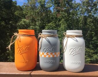 tennessee mason jars / quart size mason jars / tennessee vols / rustic decor / painted mason jars / college football