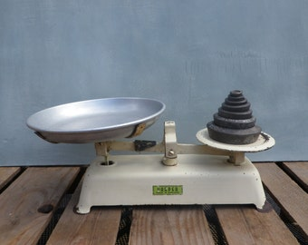Vintage Kitchen Scales Old Enamel Scales Enamelware Weighing Scales Kitchenalia