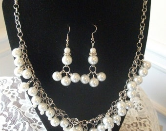Cluster Pearl Necklace and Earring set.