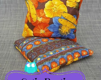 Flowers and dragonflies hot cold ouchie bag
