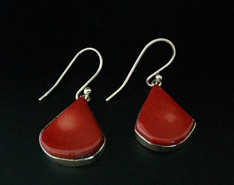 Natural Red Coral Earrings // 925 Sterling Silver // Dangly Red Coral Earrings // Natural Red Bamboo Coral Earrings // Triangle Shape