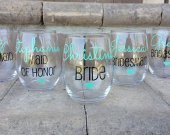 Bridesmaid gift, Bridesmaid Wine Glasses, Bachelorette Party Glasses, Wedding Favors, Bridesmaids Gift