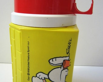 Vintage 1958 Snoopy Yellow and Red King Seeley Plastic Peanuts Thermos ONLY