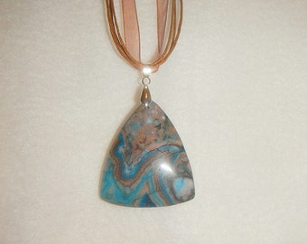 Triangular Blue Crazy Lace Agate pendant (JO282)