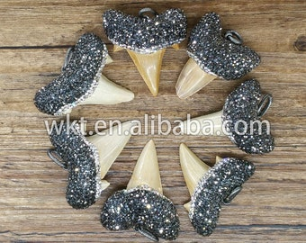 WT-NP018 NEW!!! Wholesale Natural big sharkteeth jewelry pendant exclusive jewelry with crystal paved form handmaking