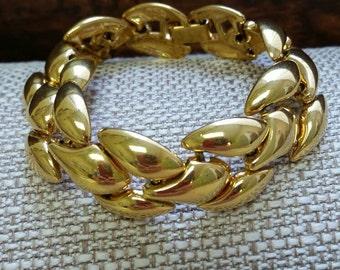 Vintage Napier Gold Chunky Wave Classic Napier Bracelet 7 inches