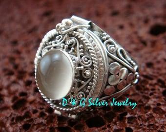 ONE Only Size 8 Sterling Silver Poison Locket Keepsake Ring w/ Moonstone LR-676-DG