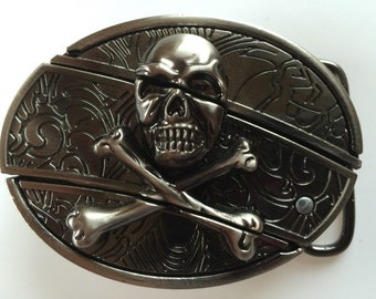 Skull and Cross Bones Belt Buckle with Knife included