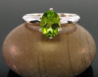 August Birthstone Ring - Peridot Ring  sterling silver peridot ring - peridot ring silver - ring peridot - genuine green peridot size 6 7 8
