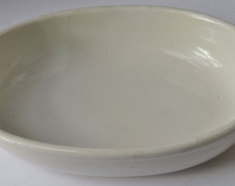 Mount Clemens Off White Oval Baking/Serving Dish Microwave and Oven Safe