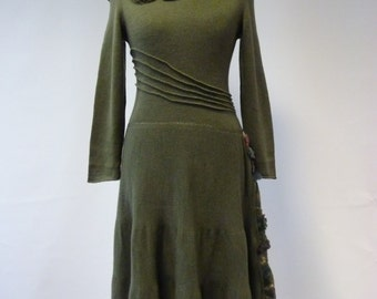 Sale, new price 100 Euro, original price 140 Euro. Delicate green woollen dress, S/M size. Handmade, only one sample.
