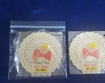 2 unopened packages of vintage 5 inch doilies BETTY BRITE