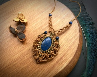 Macrame necklace with Lapis Lazuli. Bohemian Jewelry. Handcrafted Natural Beauty. Boho chic. Gemstone jewelry. Unique design.