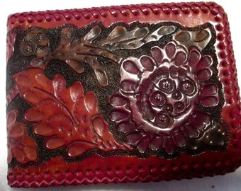 Vintage Western Hand Tooled wallet In Great Condition.