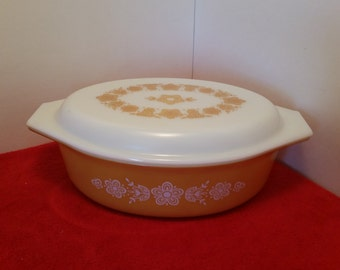 pyrex gold butterfly oval casserole dish with lid 045 - 2 1/2 quarts
