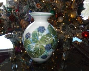 SCOTLAND HIGHLAND STONEWARE Art Pottery Vase