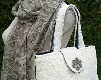 Small tote bag in lace and her silk scarf