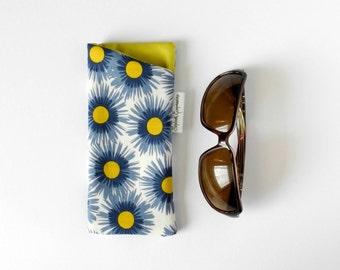 Lightly Padded Glasses Case, Eyeglasses Case Sunglasses Pouch Cute Sunglasses Case Fabric Glasses Holder Soft Eyeglasses Holder Chartreuse