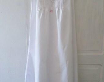 Perfect! Beautiful Vintage Handmade Ladies  Summer Cotton Night Dress monogram MD.
