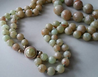 Large 50s marbled beads two strand necklace