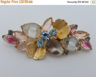 ON SALE Brooch with givre glass molded art glass and rhinestones AN66