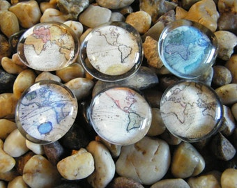 World Maps / Glass  Magnets / Glass Cabochon Magnet Set