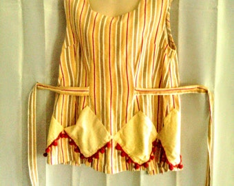 Over The Shoulder Vintage Apron With Pockets And Ties