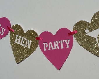 Personalised bright pink & gold glitter hen party bunting. Bachelorette / hen party decoration. Any name hen party heart bunting/banner