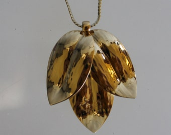 Pendant Necklace,  Good Clasp,Gold Chain, Real Gold,  Fashion Accessories, Vintage, The 1980s, Gift, Holidays, Gold Leaf As Pendant, Smudge