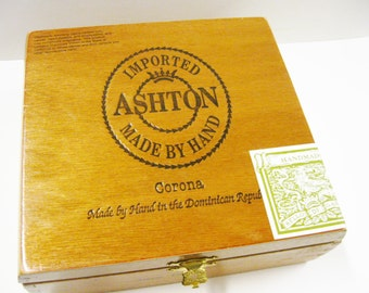 All Wood Cigar Box Beautiful Ashton Corona Cigar Box Purse Handbag Pocketbook Craft Supply Storage Supply Lift Top Cigar Box Tobacianna