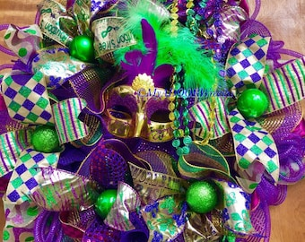 Mardi Gras Deco Mesh Wreath, Jester Mardi Gras Wreath, Coins Beads Feather Wreath, Fat Tuesday Decor, Jester Feather Mask Wreath, Whimsical